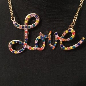 """NWT NEW YORK & COMPANY """"LOVE"""" COLORFUL NECKLACE"""